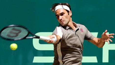 Roger Federer voitti Hallessa.