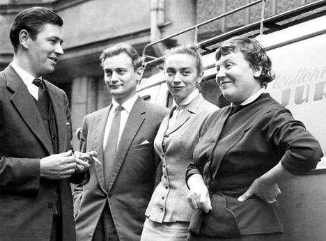 Sakari (vas), Jussi, Vappu ja Emmi Jurkka Helsingissä 1956.