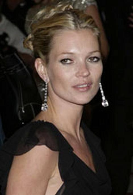 Kate Mossin alastonkuvat olivat haluttua tavaraa Lontoossa.
