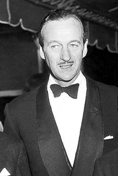 James Bond -parodiaa tähdittänyt brittinäyttelijä David Niven on monelle tuttu Vaaleanpunaisesta pantterista.