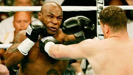 Mike Tyson (vas.) ja Kevin McBride kohtasivat Washingtonissa kesäkuun 11. päivä vuonna 2005. Ottelu jäi Tysonin ammattilaisuran viimeiseksi.