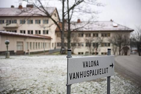 Valona Vanhuspalveluiden asumispalveluyksikössä Pieksämäellä tilanne on vakava. Korona levisi nopeasti asukkaiden ja henkilökunnan keskuudessa. Kuva torstailta.