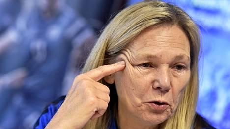 Anna Signeul on Suomen naisten maajoukkueen päävalmentaja.