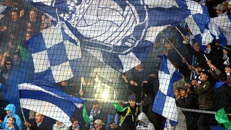 HJK:n kannattajia odotetaan derbyyn myös suurissa määrin.