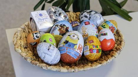 """Maistelimme 13 markettien suklaamunaa ja voittaja oli selvä – Lidlin munan """"yllätys"""" erosi selvästi muista"""
