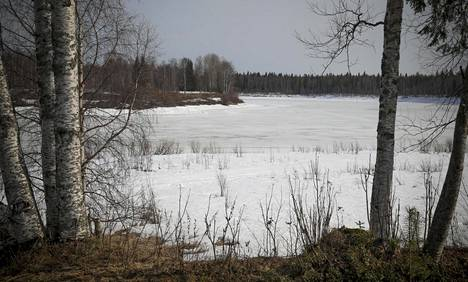 Vastarannalta tulivat venäläiset, suomalaisten asemat olivat etualan rannassa.