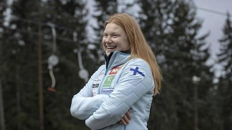 17-vuotias Rosa Pohjolainen on suomalaisen alppihiihdon suurlupaus.