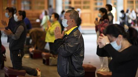 Taiwan velvoitti tammikuussa kansalaisiaan käyttämään kasvomaskeja julkisilla paikoilla. Vain 7 ihmistä on kuollut koronavirukseen 24 miljoonan asukkaan maassa.