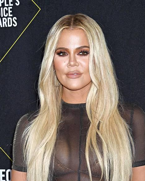 Tältä Khloé Kardashian näytti loppuvuonna 2019. Tähti on vuosien varrella puhunut ulkonäköpaineistaan.