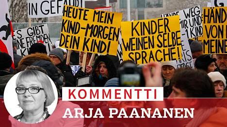 """Eri puolilla Saksaa kokoontui tammikuussa saksanvenäläisten ja äärioikeiston yhteisiä """"spontaaneja"""" mielenosoituksia, joissa he vaativat liittokansleri Angela Merkeliä takaamaan heidän turvallisuutensa."""