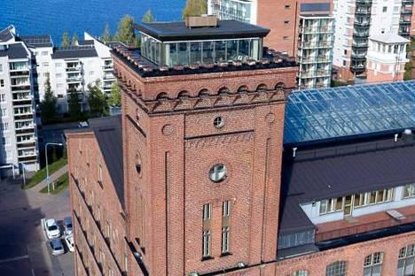 Torni toimi ennen puuvillatehtaan vesitornina.