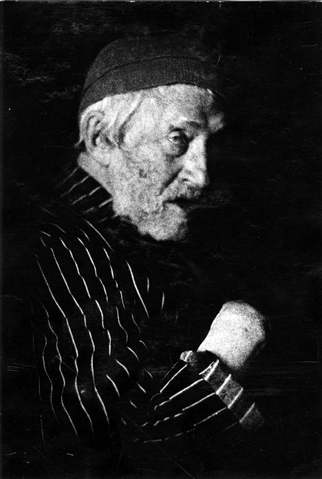 Ilja Repin ehti asua itsenäistyneessä Suomessa liki 12 vuotta ennen kuolemaansa 1930. Suomen suuriruhtinaskunnan puolella hän vietti kuitenkin paljon aikaansa jo 1900-luvun alusta alkaen. Kuva on otettu Kuokkalassa 1920-luvun lopulla.