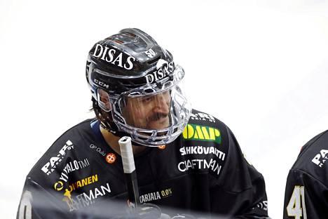 Juhamatti Aaltonen (kuvassa) kokkaillut Jussi Jokiselle.