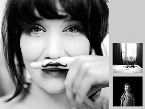 Nelli Palomäen valokuvateokset: 26-vuotiaana, Dora 7 vuotta, Julia täyttää viisi.