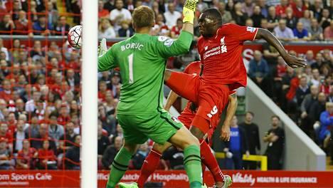 Christian Benteke teki Liverpoolin voittomaalin.