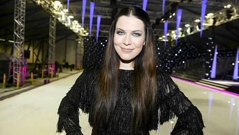 Jenni Vartiainen Dancing on Ice-kilpailussa.