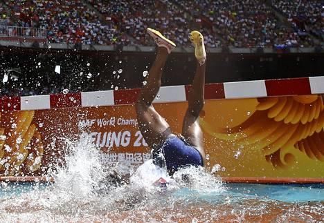 Rolanda Bell epäonnistui vesiesteen ylityksessä.
