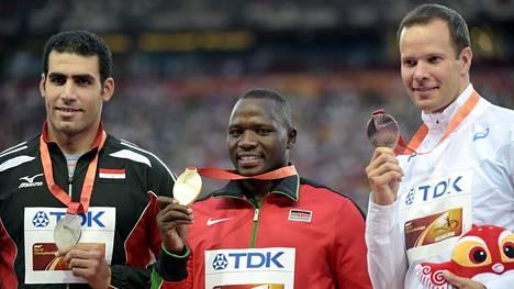 Ihab Abdelrahman ja Tero Pitkämäki olivat palkintopallilla MM-kisoissa viime elokuussa.