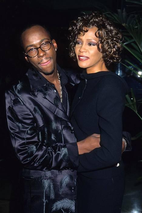 Bobby Brown ja Whitney Houston avioituivat kesällä 1992. Suhde oli myrskyisä ja päihteiden värittämä alusta asti. He erosivat vuonna 2007.