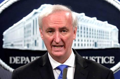Jeffrey Rosenista tuli Yhdysvaltain virkaa tekevä oikeusministeri, kun hänen edeltäjänsä William Barr jätti tehtävänsä joulukuun puolivälissä.