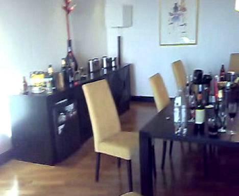 Helmikuussa 2007 Palmroth järjesti hotelli Crowne Plazan yhdeksännen kerroksen sviitissä kuuluisia vieraita houkutelleet juhlat.