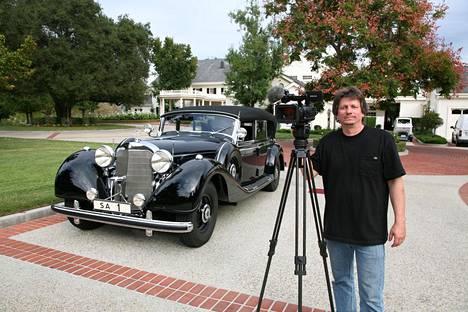 Panssaroitu Mercedes-Benz 770 Offener Tourenwagen oli Adolf Hitlerin lahja marsalkka Mannerheimille joulukuussa 1941. Dokumentaristi Veli Vartiala löysi auton Yhdysvalloista.