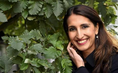 –Uudenvuoden aatto sujuu perheen kanssa, ainakin alkuilta. Sitten katsotaan, yhdistetäänkö voimat ystävien kanssa myöhemmin, Nasima Razmyar kertoi IS:lle vuoden vaihteen suunnitelmistaan.