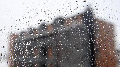 Sateisuuden lisääntyminen ei ole ainoa muutos, joka rakentamisessa täytyy ottaa huomioon. Myrskytuulten on arvioitu voimistuvan etenkin merillä ja rannikkoseuduilla, mahdollisesti sisämaassakin.
