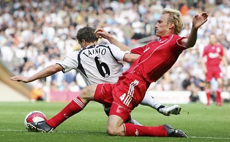 Sami Hyypiä pelasi Liverpoolin puolustuksessa kymmenen kautta.