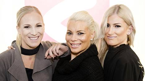 Siskokset Nanna Karalahti, Pirke Koskelainen ja Karoliina Koivisto kuvailevat olevansa toistensa parhaita ystäviä ja turvaverkkoja. –Se tuo voimaa heti aamusta, kun tietää missä kaikki siskot ovat.