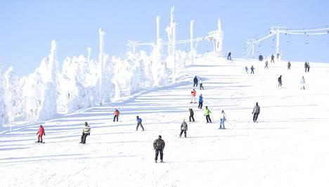 Kuusamossa sijaitseva hiihtokeskus Ruka sulki hissinsä noin kuukausi sitten.