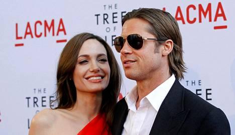 Jolie ja Pitt rakastuivat yhteisen elokuvansa kuvauspaikalla 2004.