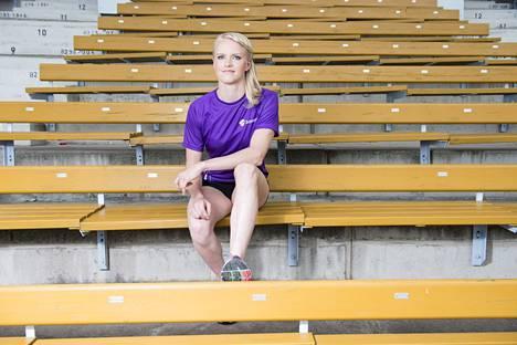 ENSIJULKAISU TV-LEHDESSÄ! IS 20150805, Turku, Paavo Nurmi Stadion, Seiväshyppääjä Minna Nikkanen. Kuva: Joonas Salo