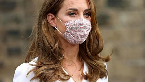 Cambridgen herttuatar Catherine on upea pukeutuja.