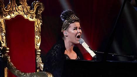 Saara Aalto säväytti Abba-vedollaan X Factorissa.