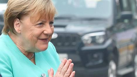 Angela Merkelin usutti autoteollisuutta siirtymään entistä enemmän pois polttomoottoriteknologiasta.