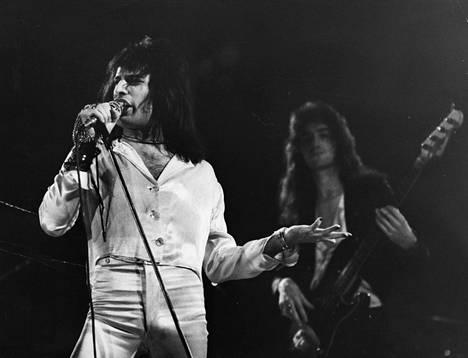 Freddie Mercurykin on nähty Kultsan lavalla. Legendaarinen laulaja nähtiin Queen-yhtyeensä kanssa Suomessa vain yhden kerran, vuonna 1974.