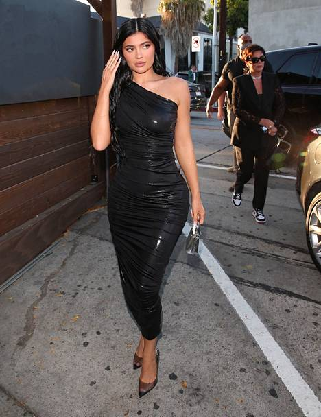Kylie Jenner salasi raskautensa pitkään.