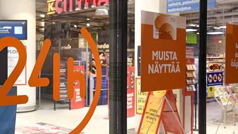 Lakkovaroituksia on helmikuun viikoilla ensin muun muassa Prismoissa, sitten K-Citymarketeissa.
