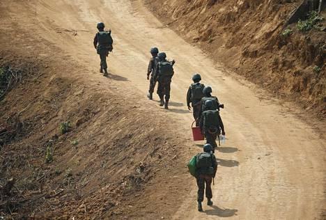 Myanmarin sotilaita harjoituksessa Ayearwaddyn alueella helmikuun alussa. Kuva ei liity tapaukseen.