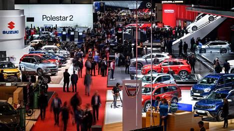 Kuva on vuodelta 2019, jolloin viimeksi suosittu autonäyttely järjestettiin Genevessä.