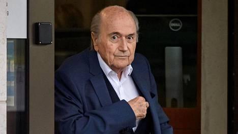 Fifa päätti pidentää entisen puheenjohtajansa Sepp Blatterin toimintakieltoa vuoteen 2028 saakka.