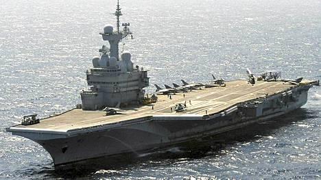 Ranskan lentotukialus Charles de Gaulle voisi lähteä liikkeelle Toulonista sunnuntaina.