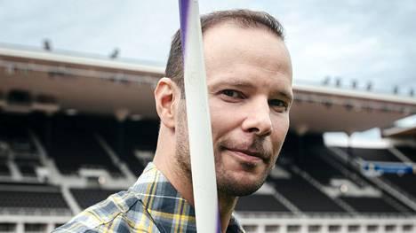 Keihäänheiton tuore lajivalmentaja Tero Pitkämäki Helsingin olympiastadionilla syyskuussa.