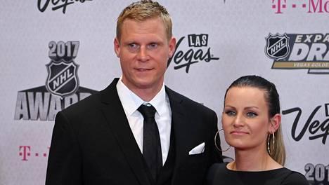 Mikko ja Helena Koivun avioliitto muuttui rumaksi oikeustaisteluksi, jonka loppu ei vielä yli vuodenkaan jälkeen ole näkyvissä.
