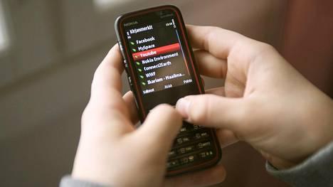 Peruspuhelimien mobiilidatayhteydet lakkaavat toimimasta muutoksen myötä.