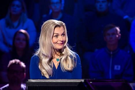 Oululainen Eira on tänään lauantaina nähtävässä Haluatko miljonääriksi? -kisassa tiukan paikan edessä.