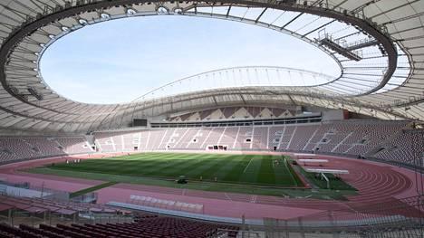 Näyttää pahaenteisesti siltä, että Khalifa International -stadion kumisee tyhjyyttään MM-kisojen aikana.