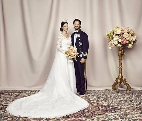 Sofia ja Carl Philip avioituivat 13.6.2015.
