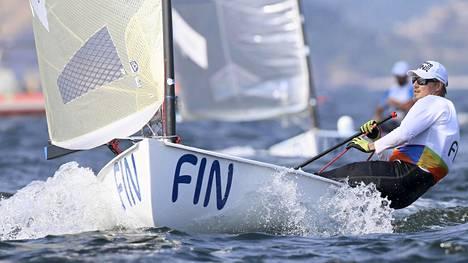 Finnjollalla purjehtiva Tapio Nirkko aloitti olympiaurakkansa tiistaina.